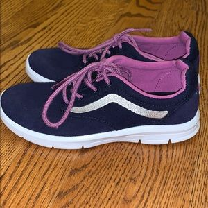 NEW Vans Sneakers UltraCush Girls Youth 1